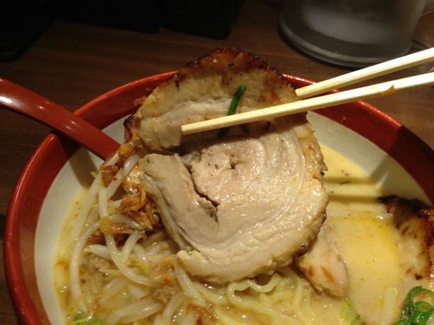 田所商店千葉北 西京味噌ラーメンの肉厚炙りチャーシュー