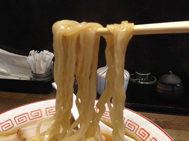 佐倉 喜多方ラーメンのツルツル麺