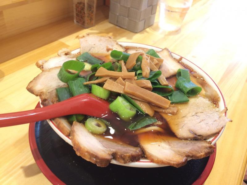 小四郎さんのチャーシュー麺