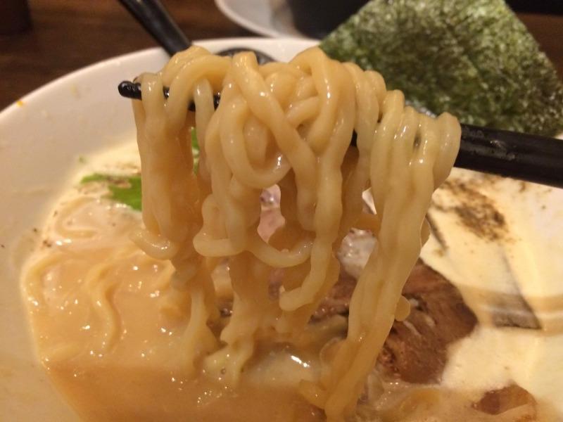 うぇい!ちぢれ太麺