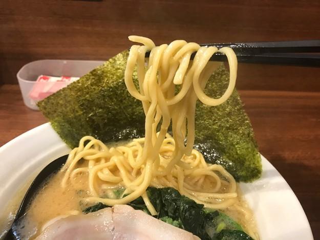 中太麺をチョイス