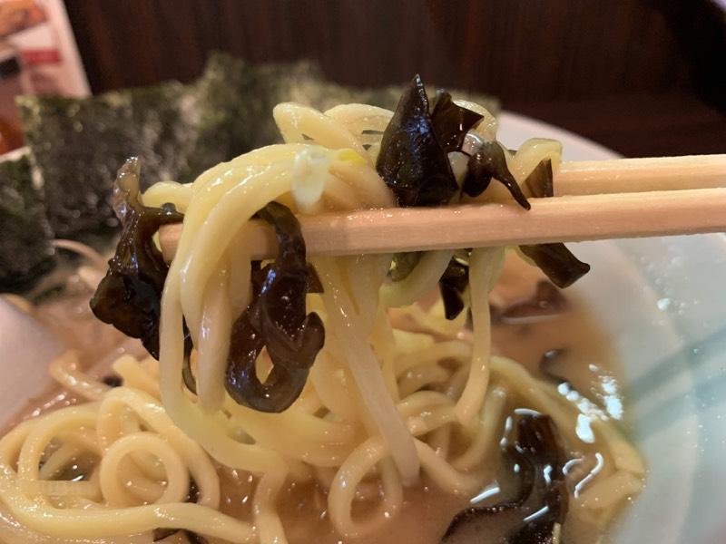 麺のキクラゲまみれが美味い(๑´ڡ`๑)