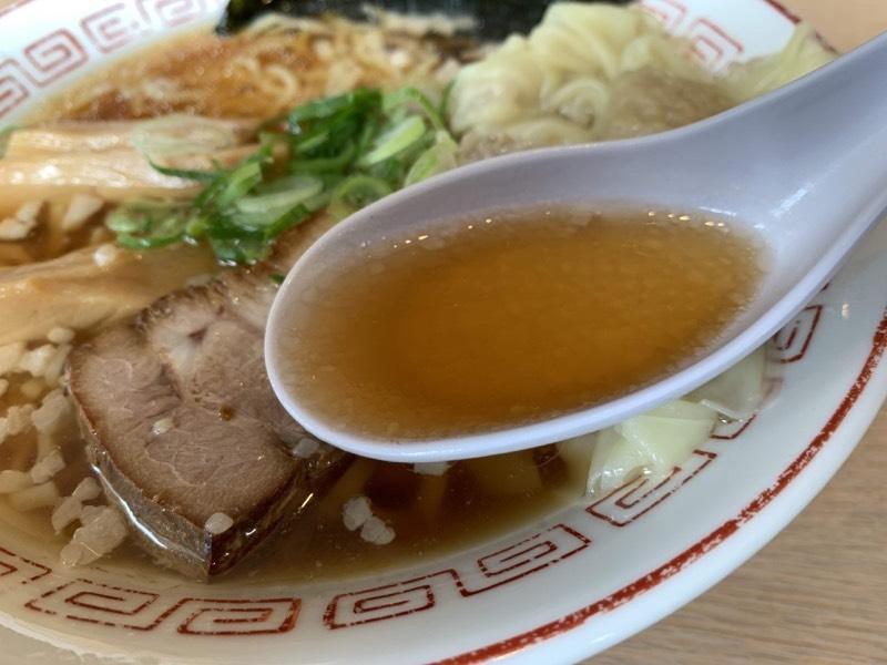 鶏ガラ+鰹節・煮干のダブルスープ